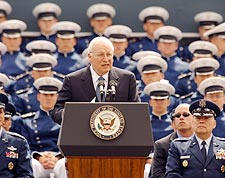 VP Dick Cheney & US Air Force Class 2005 Photo Print for Sale