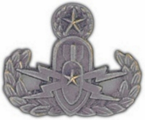 U.S. Army EOD Master Lapel Hat Pin