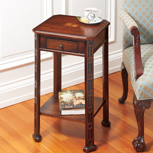 Chinese Rococo Side Table - Rococo side table