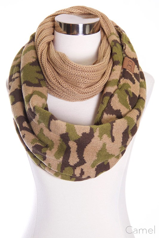 Cc Knit Scarf With Camouflage