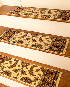 Sydney Traditional Style Carpet Stair Treads, Cream w/ Landing Mat