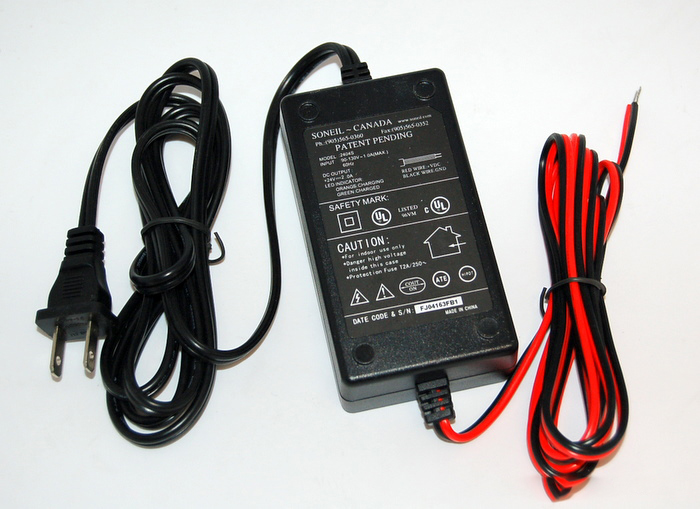 24 volt, top quality charger 2404 (no plug)