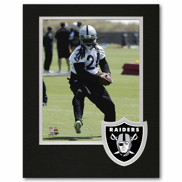 Raiders 8 x 10 Logo Framed Lynch Photo