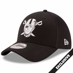 Raiders New Era 39Thirty Chrome Pirate Cap