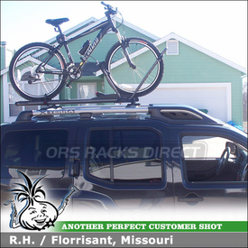 2010 Nissan XTerra Bike Rack for Factory Rack Crossbars with Yakima HighRoller Bicycle Carrier & Universal Mighty Mounts