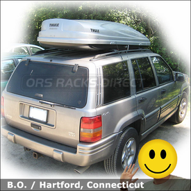 Jeep Grand Cherokee Roof Rack Luggage Carrier with Thule 688XT Atlantis 2100 Cargo Box
