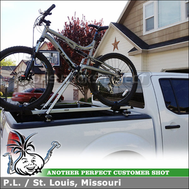 Nissan Frontier Bike Rack On Truckbed Rack Cross Bars using Inno RT101 Truck Rack and INA382 Upright Lock Bicycle Carrier