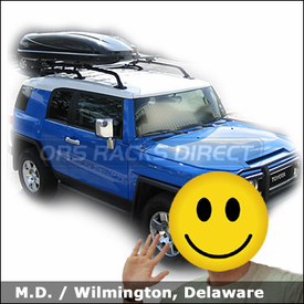 Toyota FJ Cruiser with Thule 450 CrossRoad Roof Rack and Thule 676XT Cascade 1100 Gear Box