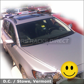 Volvo V50 Car Rack for Bikes with Thule 450R Rapid Crossroad System and 517 Peloton Bike Racks