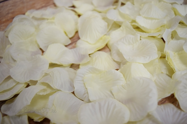 How to store rose petals