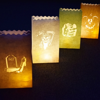 how to make halloween haunted luminary bags diy. Black Bedroom Furniture Sets. Home Design Ideas