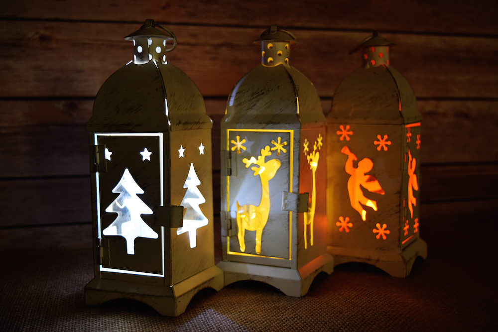 set of 3 christmas holiday hurricane candle lanterns rustic white ebay. Black Bedroom Furniture Sets. Home Design Ideas