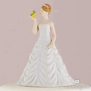 Bride Kissing Frog Prince Figurine