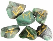 Rune Set Tumbled  Emerald