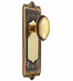 Egg and Dart Backplate and Homestead Knob, Privacy, Antique Brass