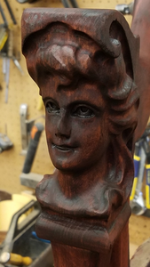 Lady Face chair