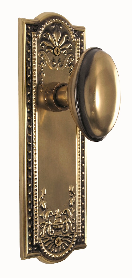 Meadows Backplate and Homestead Knob, Privacy, Antique Brass