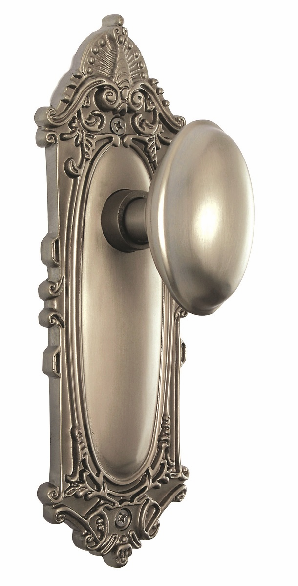 Victorian Backplate and Homestead Knob, Passage, Satin Nickel