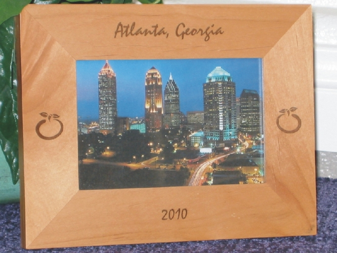 Atlanta Picture Frame - Personalized Frame - Laser Engraved Peaches