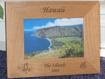 Hawaii Picture Frame - Personalized Souvenir Frame - Laser Engraved Bird/Flowers
