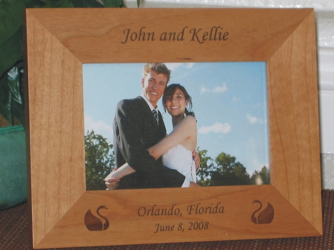Swan Theme Wedding Picture Frame - Personalized Wedding Frame - Laser Engraved Swans