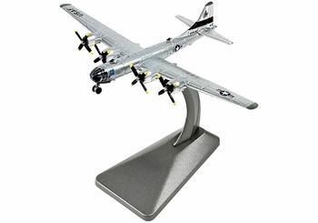"B-29 Superfortress Model, USAAF, ""Raz'n Hell"" - Air Force 1 0139 - click to enlarge"