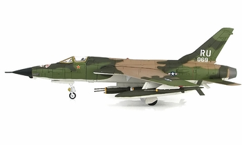 F-105D Thunderchief Model, USAF, 469th TFS - Hobby Master HA2515 - click to enlarge