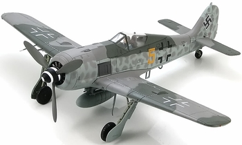 Fw 190 A-6 Model, Luftwaffe, 3./JG 54, Otto Kittel - Hobby Master HA7413 - click to enlarge