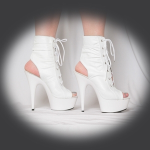 "6"" Scrunchy Ankle Boot * SPICY"