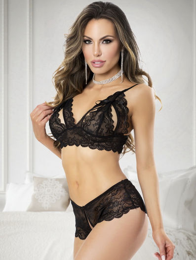 Martha's Irresistible Lace Bra & Crotchless Panty Set