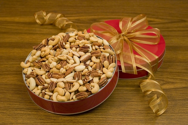 32oz Superior Mixed Nuts Gift Tin