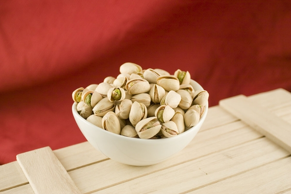 Colossal California Pistachios (10 Pound Case)