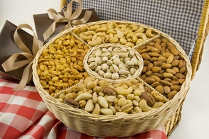 Nut Gift Baskets - Free Shipping