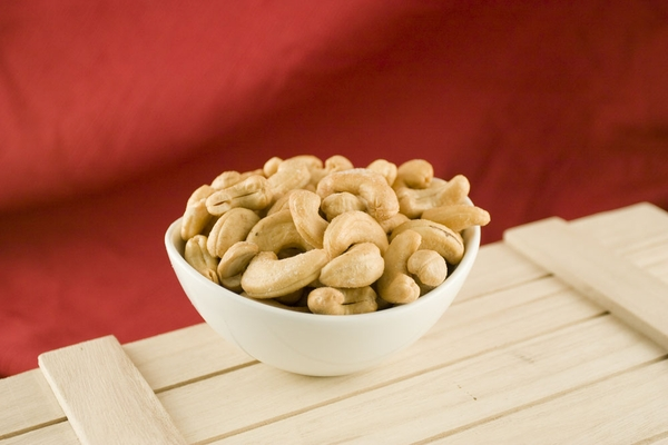 Giant Whole Cashews (10 Pound Case)
