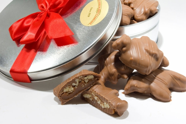 Milk Chocolate Pecan Turtles Gift Tin