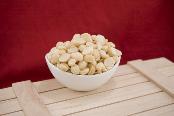 Raw Macadamia Halves and Pieces (10 Pound case)