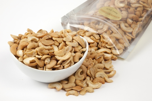 Roasted Cashew Halves (1 Pound Bag)