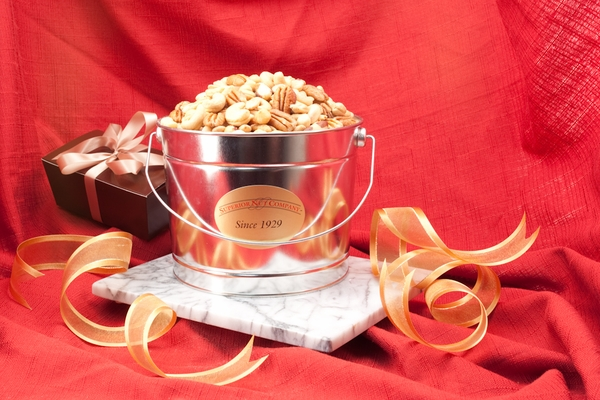 Superior Mixed Nuts (2 Pound Bucket)