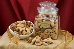 Superior Mixed Nuts (24oz Decanter)