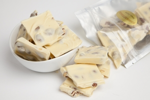 White Chocolate Almond Bark (8oz Bag)