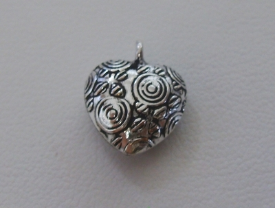Etched Heart Charm or Pendant - 15x12mm - 15 Beads - .999 Silver Over Copper<br>SCBK114