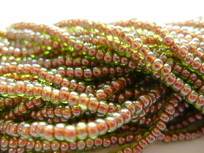 Red Lined Peridot 8/0 Seed Bead
