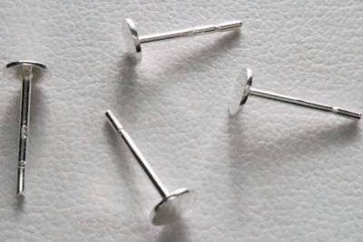 Post - 4mm Pad - 1 or 5 Pair - Sterling Silver<BR>SS-520-4
