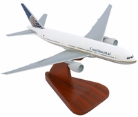Continental B-777 Model Airplane - 1/100 Scale