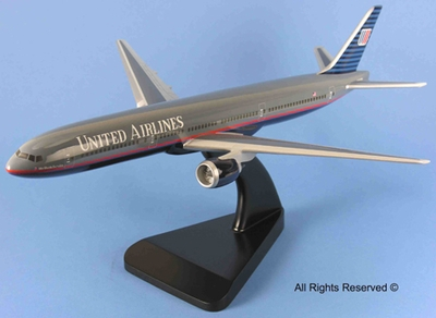 United B-777 Model Airplane - 1/140 Scale
