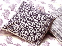 Tilonia® Home: Decorative Pillow Cover - Mod Mum in Plum
