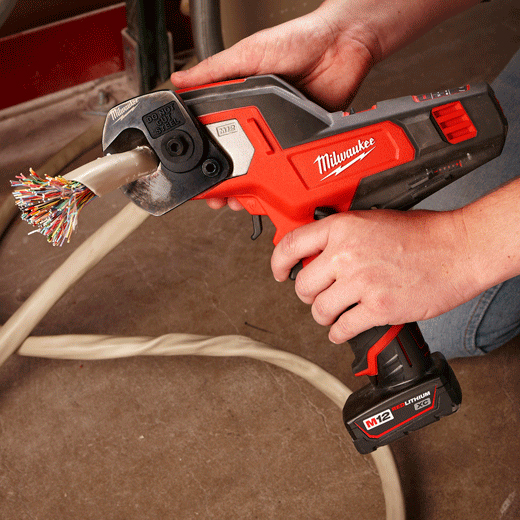 Milwaukee 2472 21xc M12 600 Mcm Cable Cutter Kit