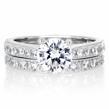 Leah's .8 ct Round Cut CZ Wedding Ring Set