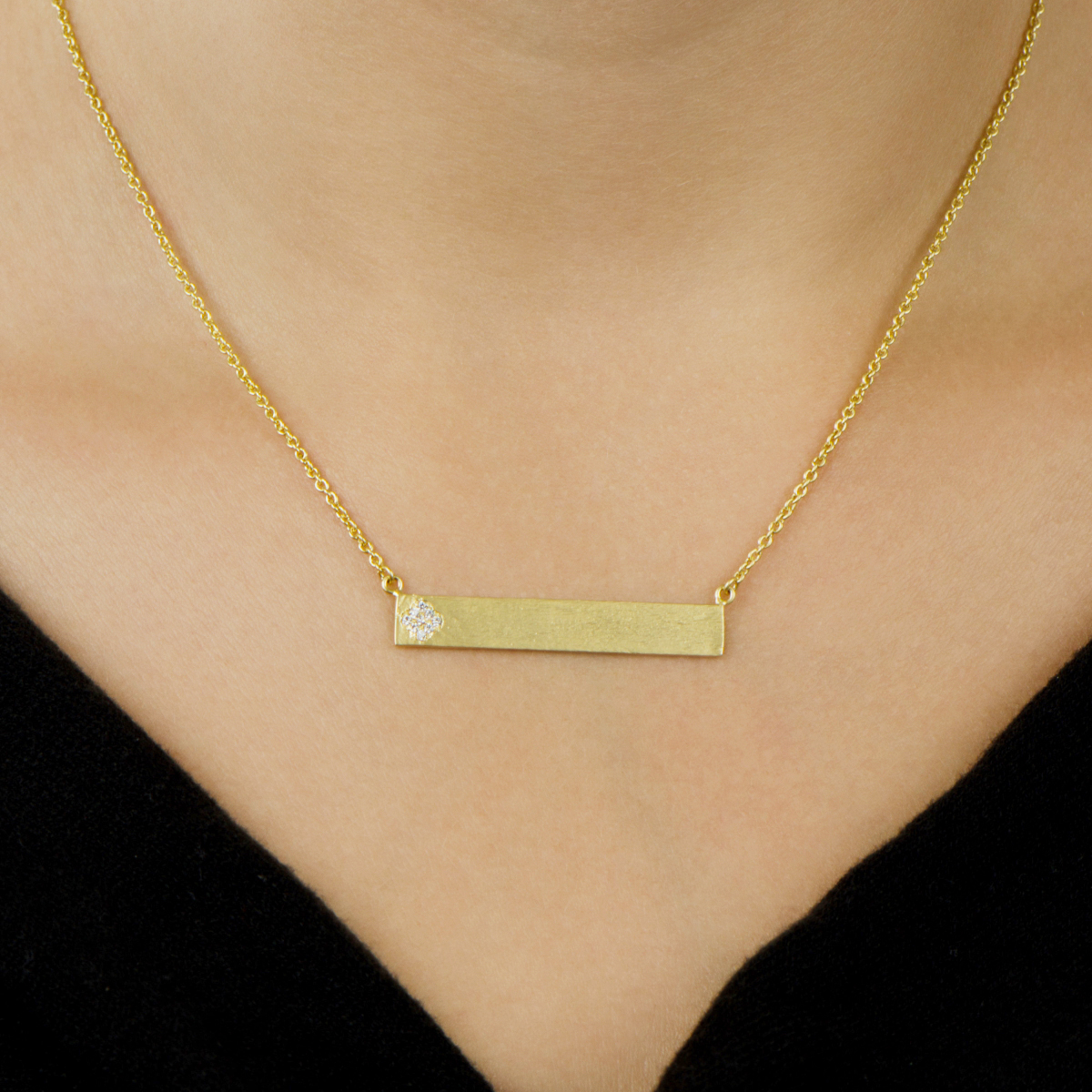 necklace gold bar