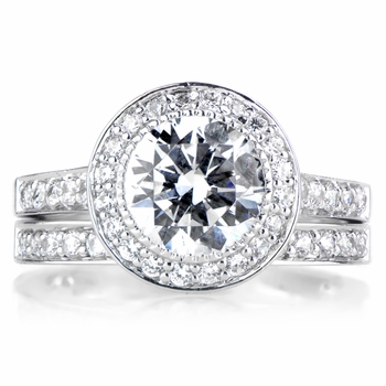Nyeasia's Round Cut CZ Wedding Ring Set